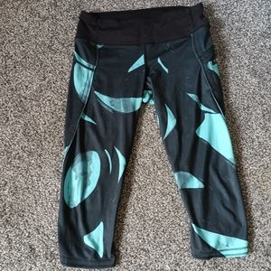 Lululemon Mid-rise Capri Leggings Black Teal Sz 6